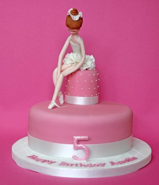 Ballerina cake (design credit: Carlos Lischetti)