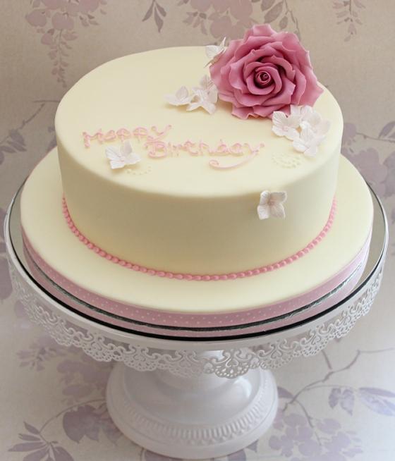 Lastet cake is delivered to Blandford Hospital