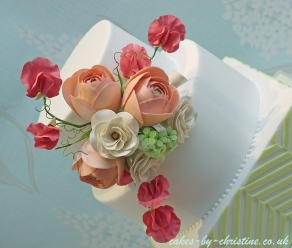 Ranunculus, Sweetpea and Gardinia Wedding Cake