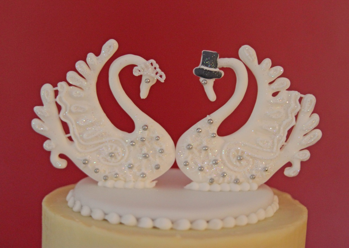 White chocolate ganache wedding cake